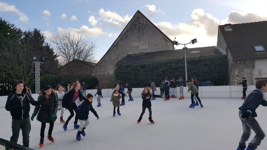 La patinoire : une activité malheureusementécourtée!