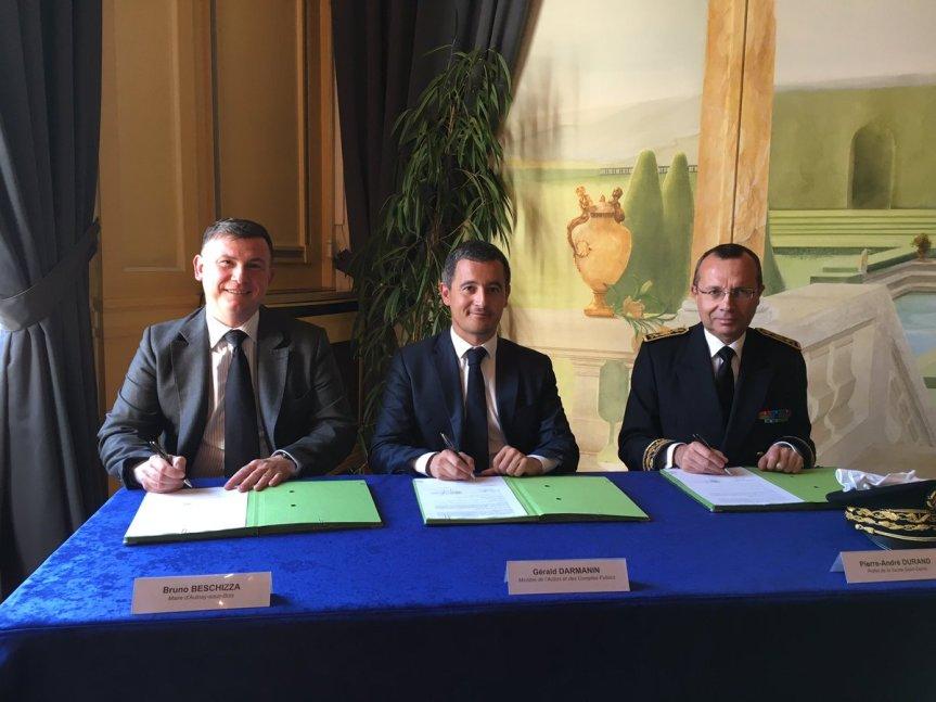 B. Bechizza signe le « diktat financier » de l' Etat « sans ciller »!