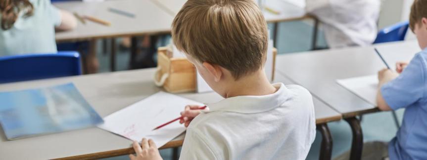 Politique de B. Beschizza: baisse des moyens pour le scolaire et le périscolaire depuis2014.