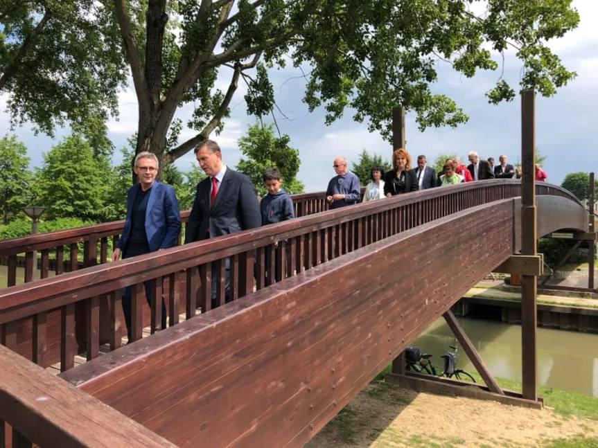 Inauguration de la passerelle des Chemins perdus, sur le canal del'Ourcq.